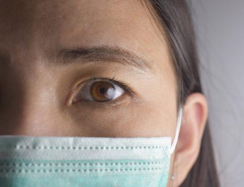 Modelo perde seio por causa de bactéria hospitalar após cirurgia plástica